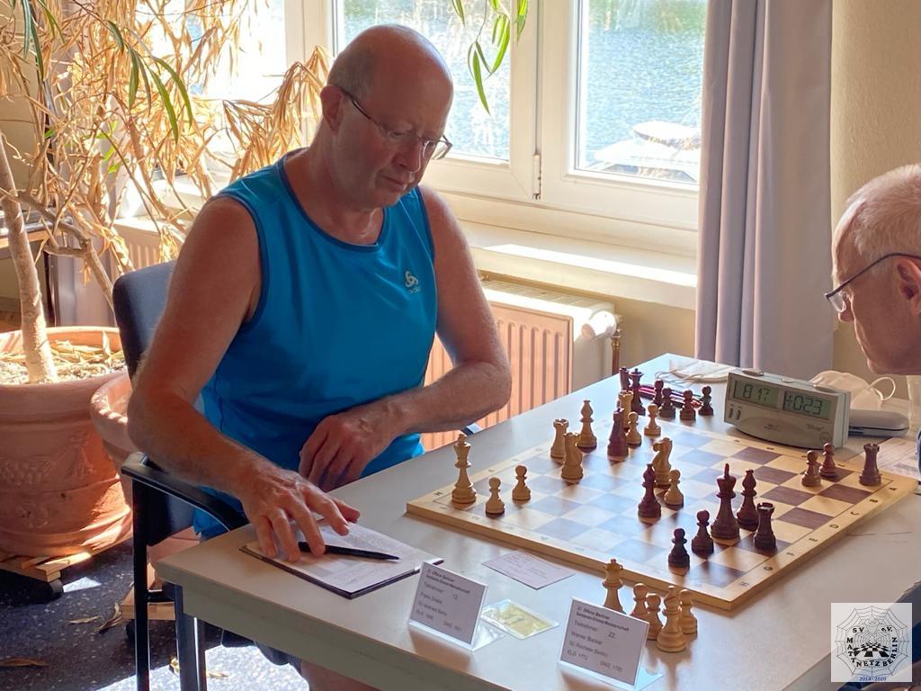Runde 2 der 37. Berliner Senioren-Einzelmeisterschaft mit der Partie Dreke vs. Becker.
