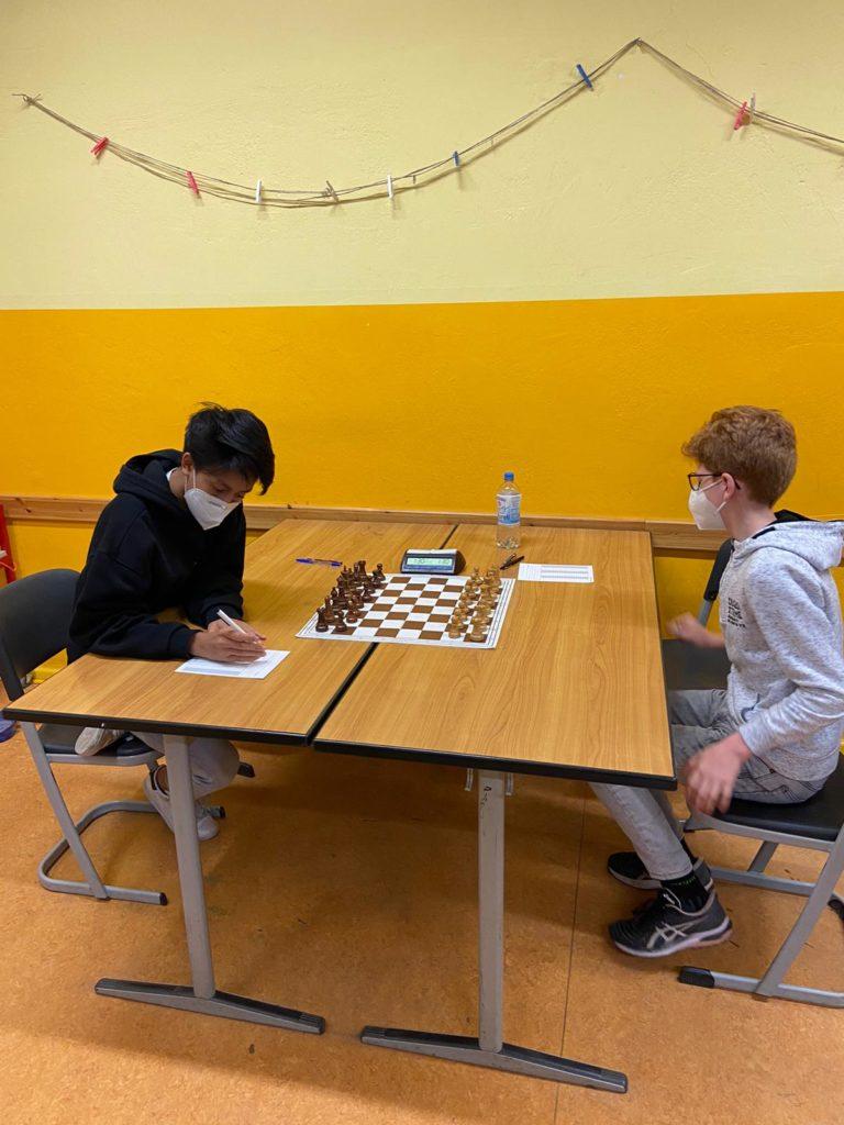 Bao gegen Jonas an Brett 1 - mit einem schnellen Remis